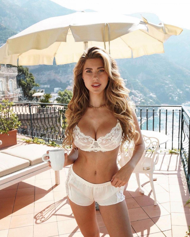Kara Del Toro Sexy Bikini Photoshoot