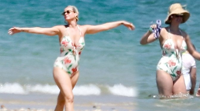 Katy Perry – SWimsuit Candids on the Beach in Ile de Re in France