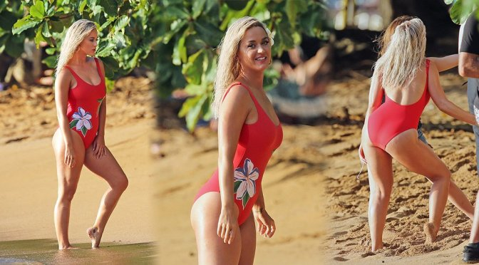 Katy Perry – Swimsuit Photoshoot Candids in Hawaii