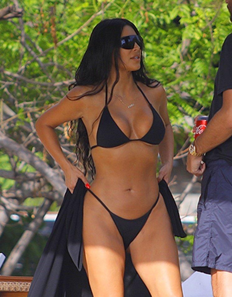 Kim Kardashian - Bikini Candids In Costa Rica - Hot Celebs -7123