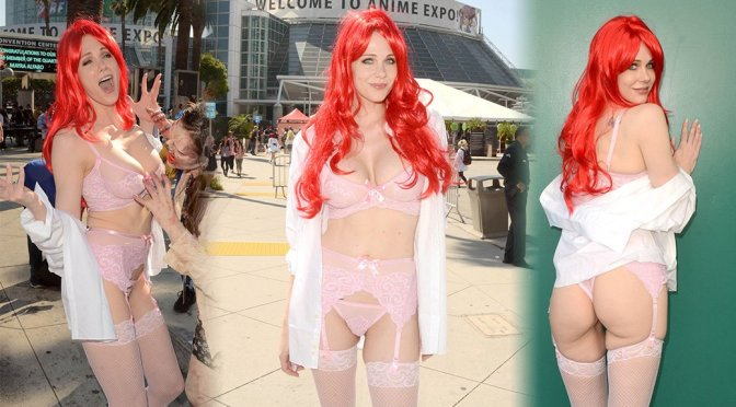 Maitland Ward – Sexy in a Lingerie at Anime Expo