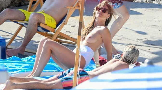 Heidi Klum – Topless Candids in Capri (NSFW)