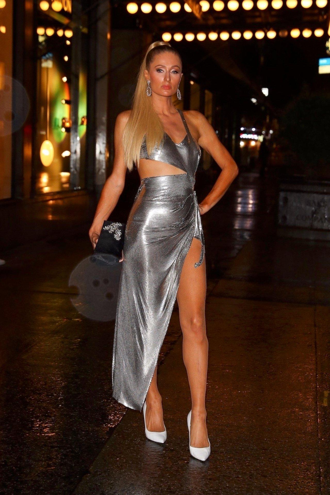 Paris Hilton Sexy Upskirt