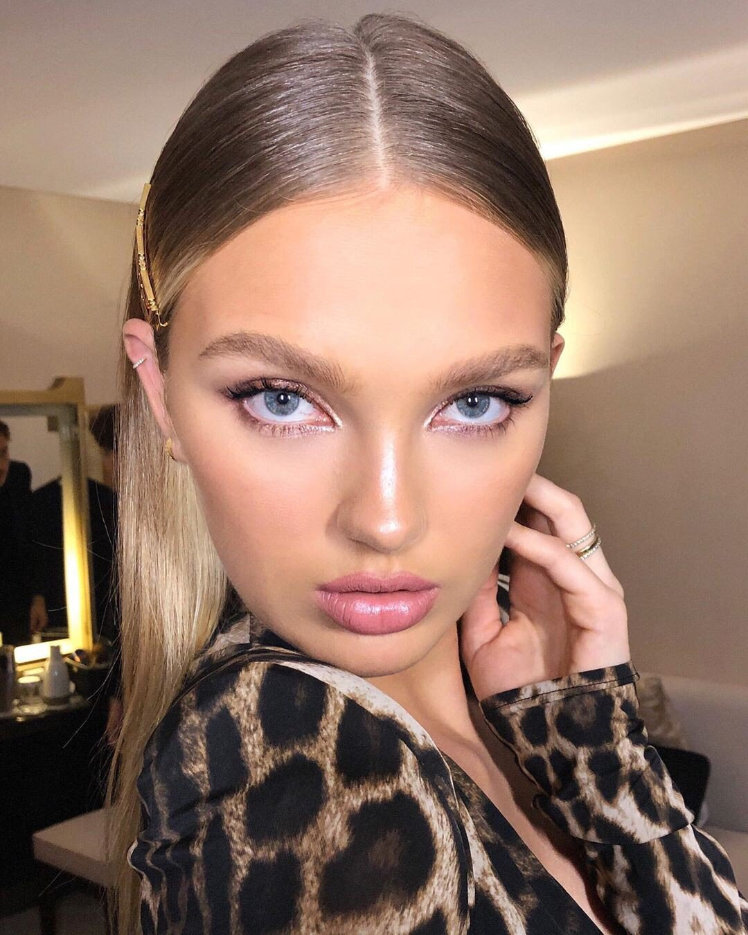 Rome Strijd Beautiful And Leggy