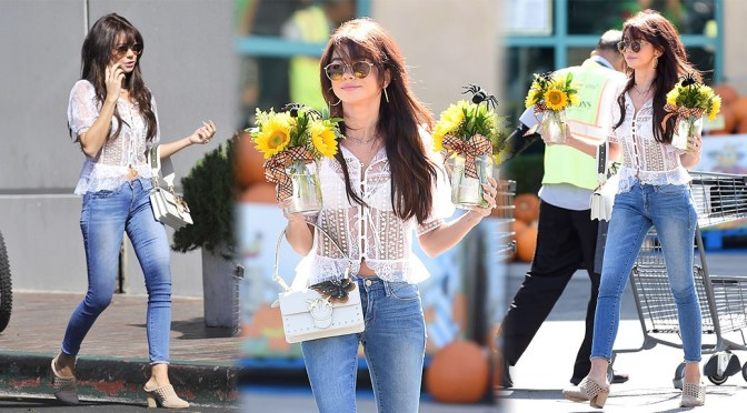 Sarah Hyland – Sexy Casual Candids in Los Angeles