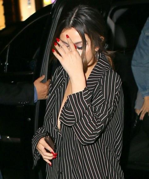 Selena Gomez Braless Boobs