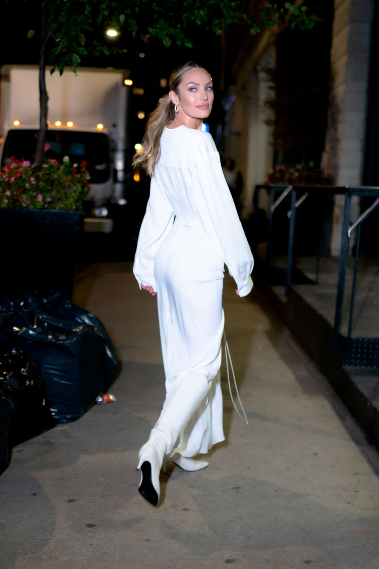 Candice Swanepoel Sexy White Dress