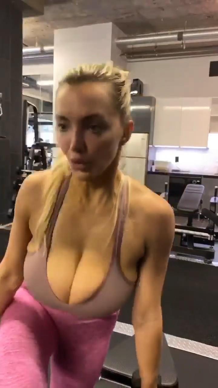 Lindsey Pelas Big Boobs
