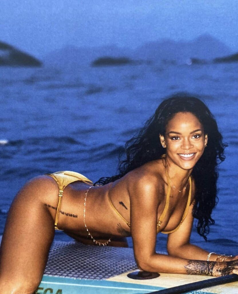 Rihanna Sexy Bikini Body