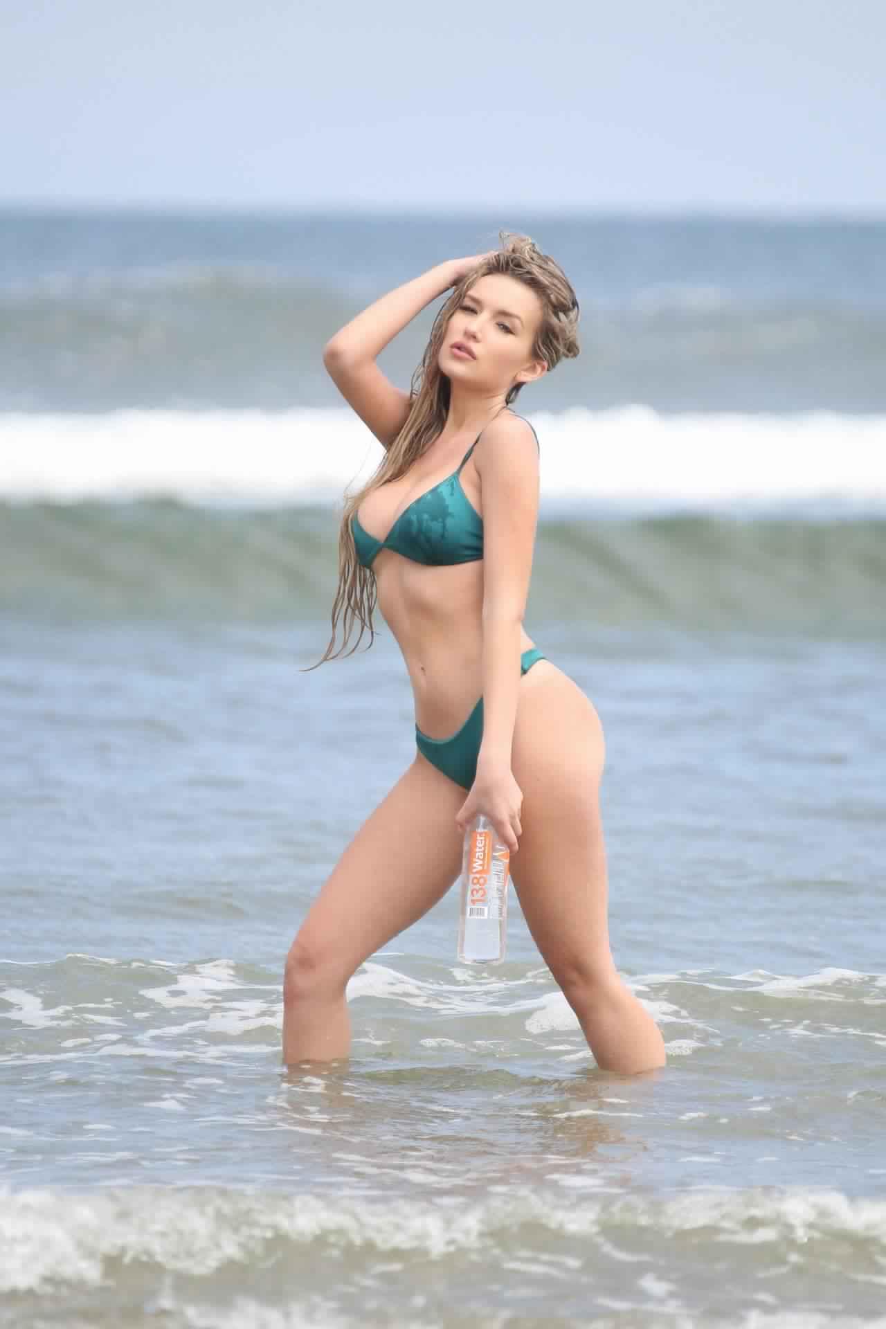 Trista Mikail Sexy Bikini