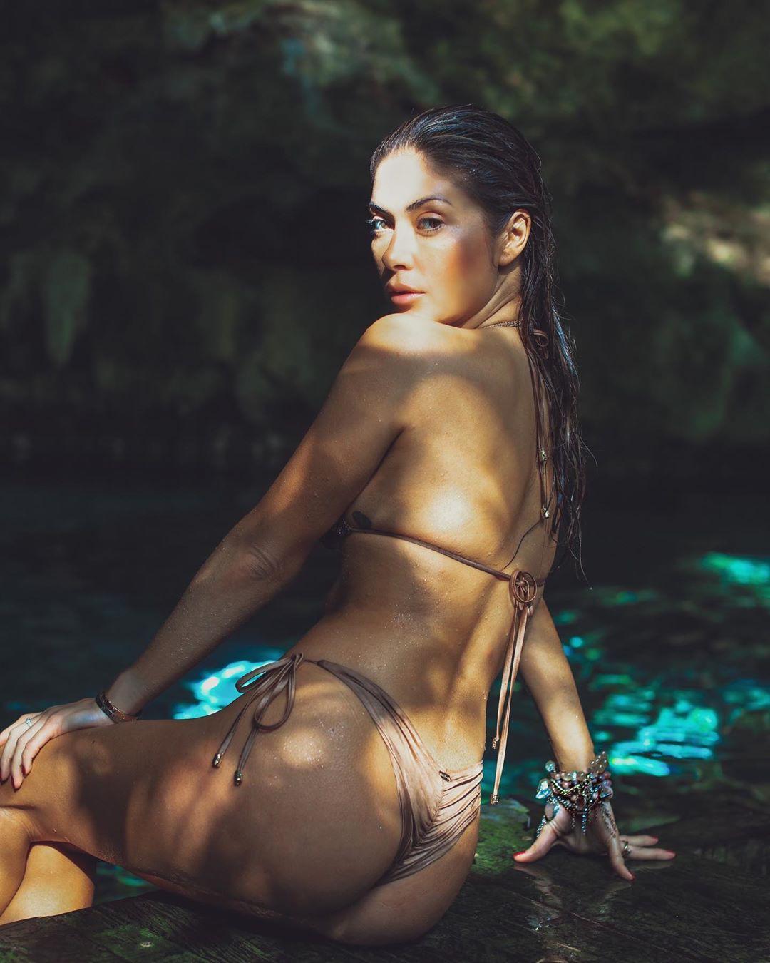 Arianny Celeste Sexy Ass Thong Bikini