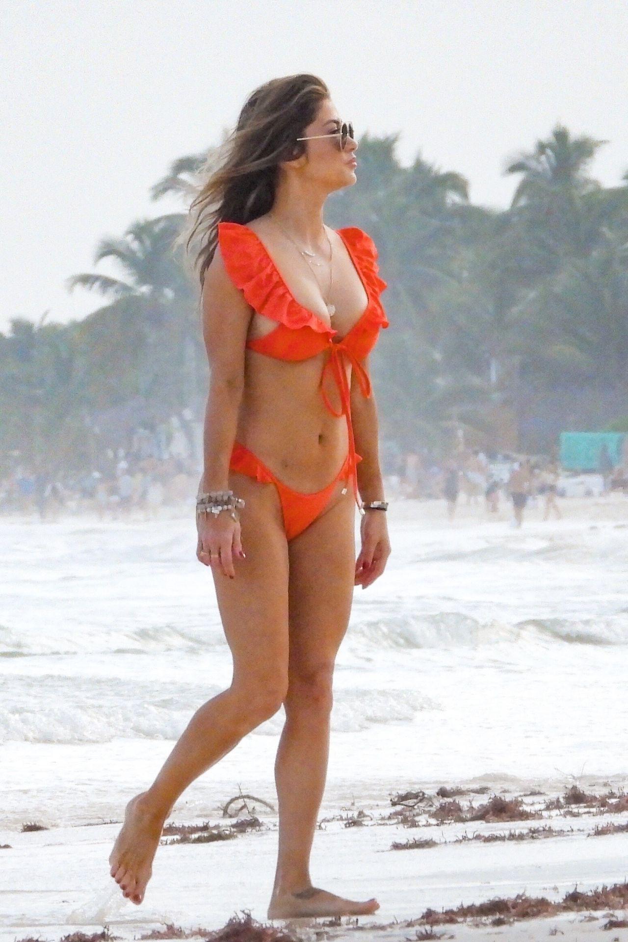 Arianny Celeste Sexy Bikini