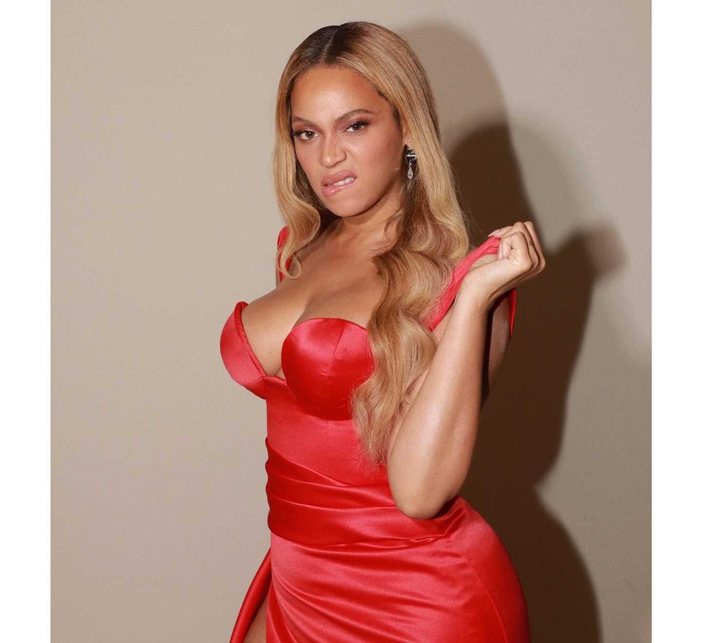 Beyonce Nude In A Hammock (PHOTOS) - T.V.S.T.