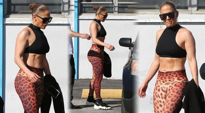 Jennifer Lopez – Sexy in Legigngs at Somi Fitness Gym in Miami