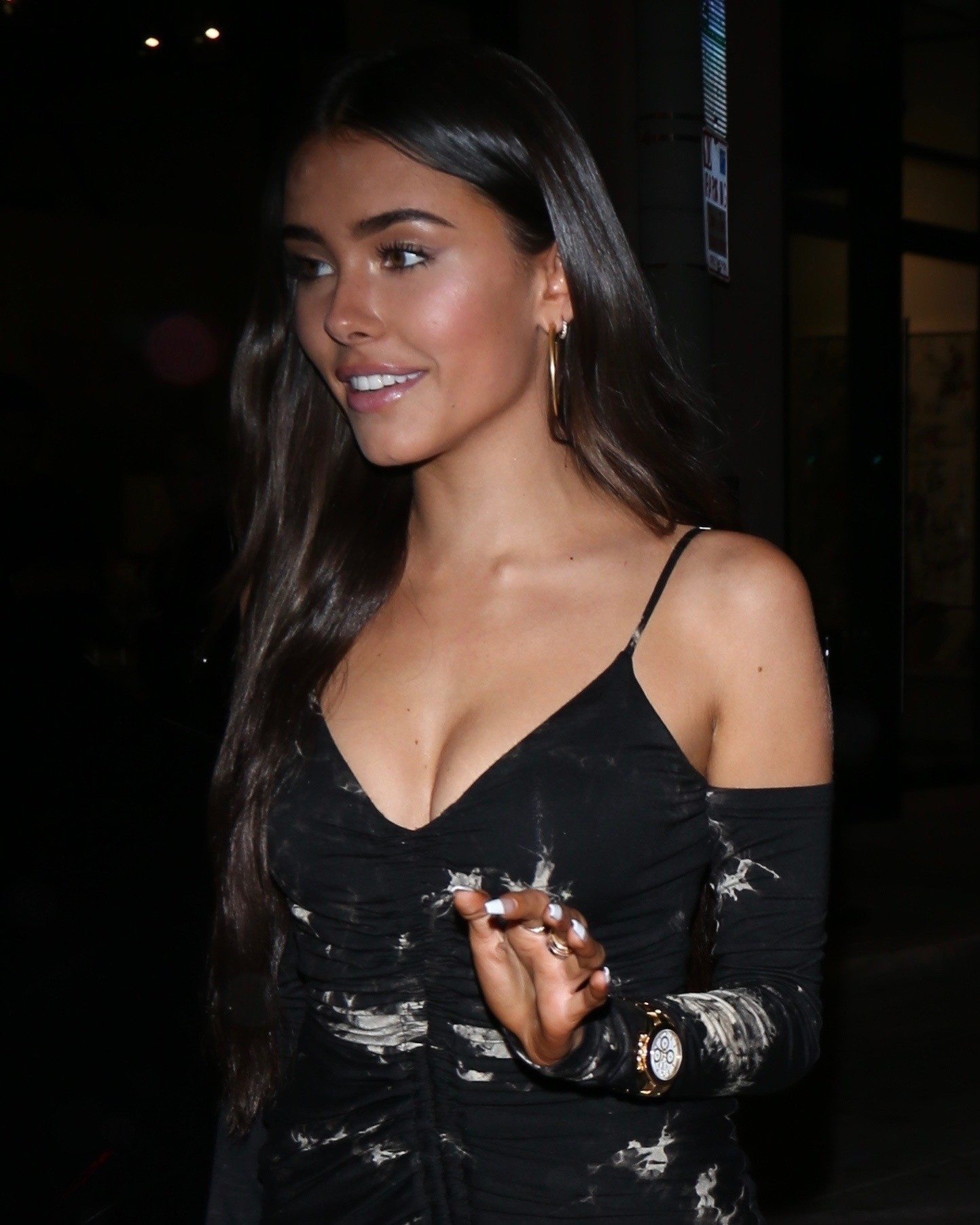 Madison Beer Sexy Legs In Short Dress