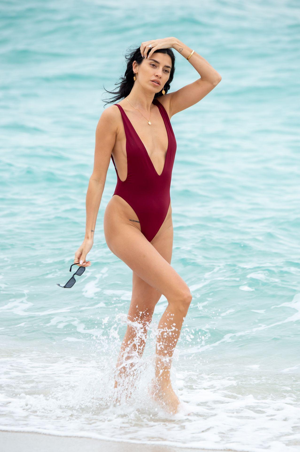 Nicoel Williams Sexy Low Cut Swimsuit