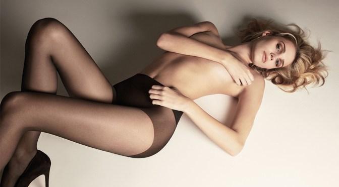 Noel Berry – Sexy Legs i Golden Lady Photoshoot