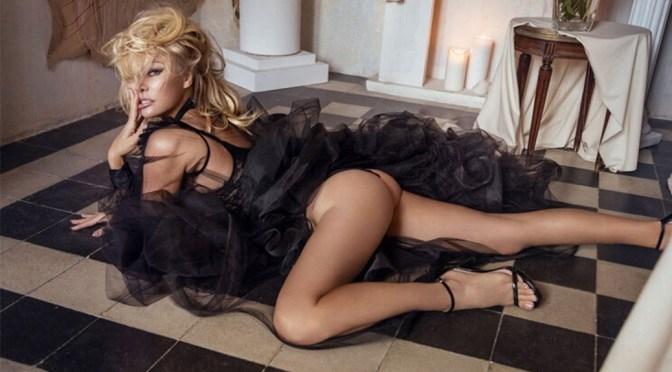 Pamela Anderson – Sexy Naked Photoshoot for Vanity Fair Italy Magazine (January 2020)