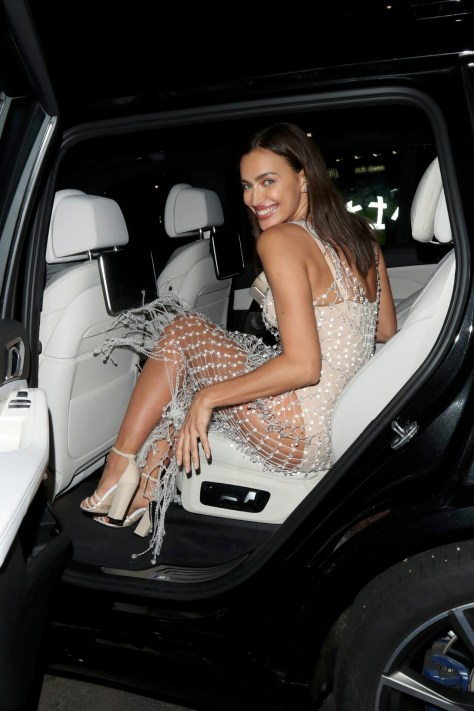 Irina Shayk Sexy Legs And Ass