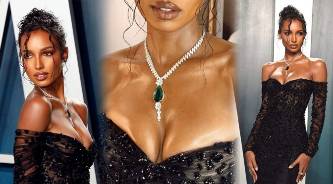 Jasmine Tookes – Beautiful Boobs in Sexy CLeavage at 2020 Vanity Fair Oscar Party in Beverly Hills