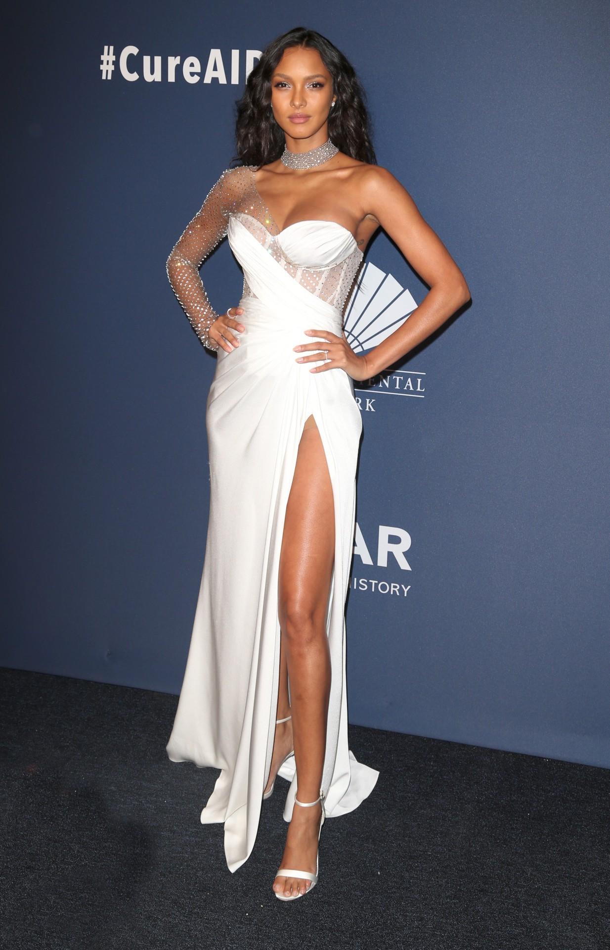Lais Ribeiro Big Boobs In Sexy Dress