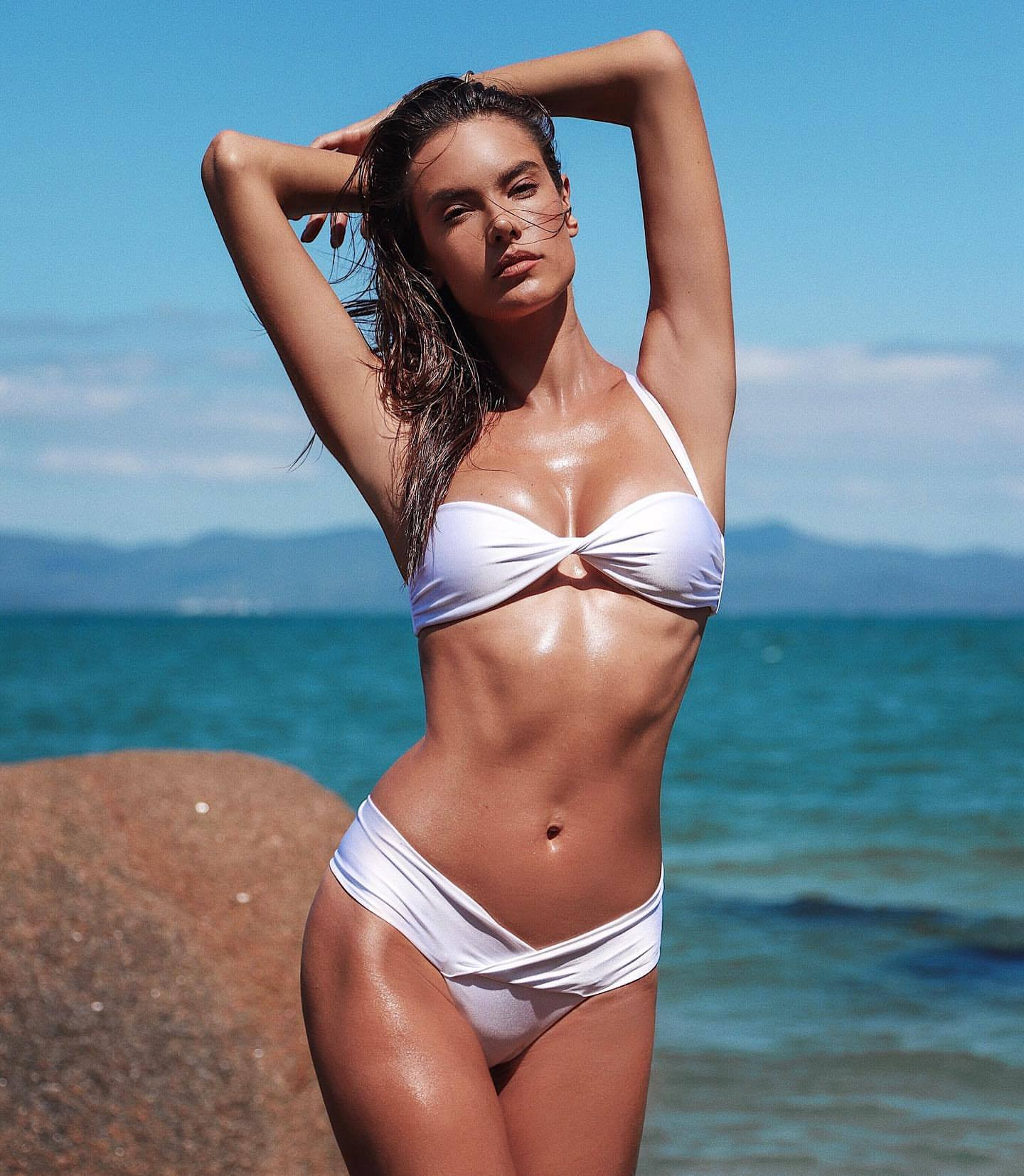 Alessandra Ambrosio Hot Body In White Bikini