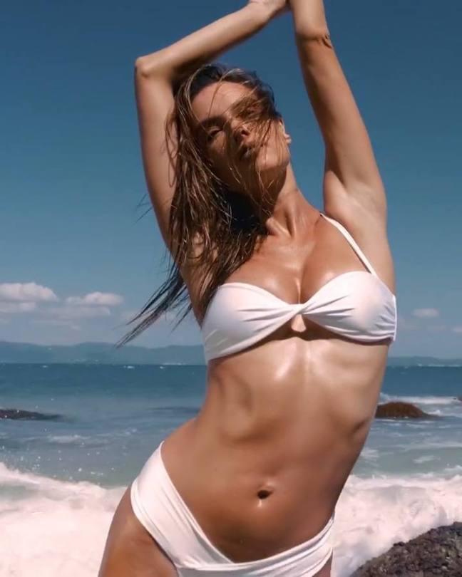 Alessandra Ambrosio Sexy Bikini Body