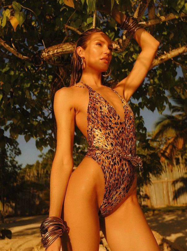 Candice Swanepoel In Sexy Bikini