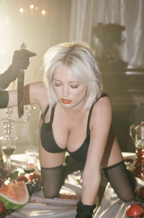 Caroline Vreeland Sexy Huge Boobs