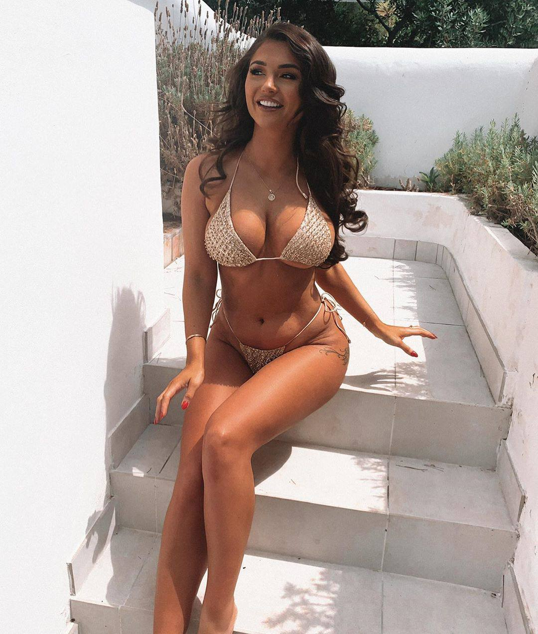 India Reynolds Big Breasts In Bikini