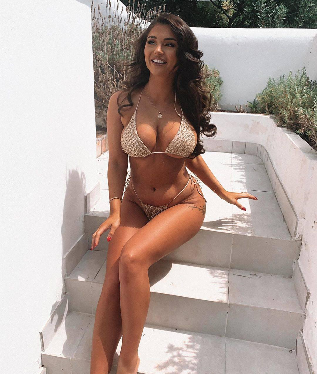India Reynolds Big Breasts In Bikini