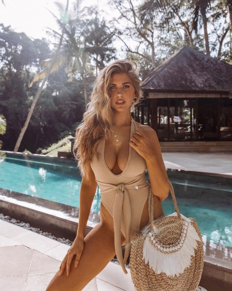 Kara Del Toro Hot Boobs In Sexy Swimsuit