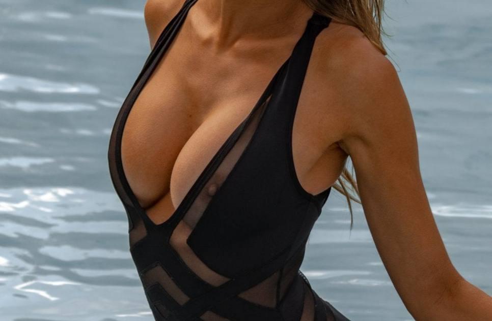 Kara Del Toro Sexy Nipples