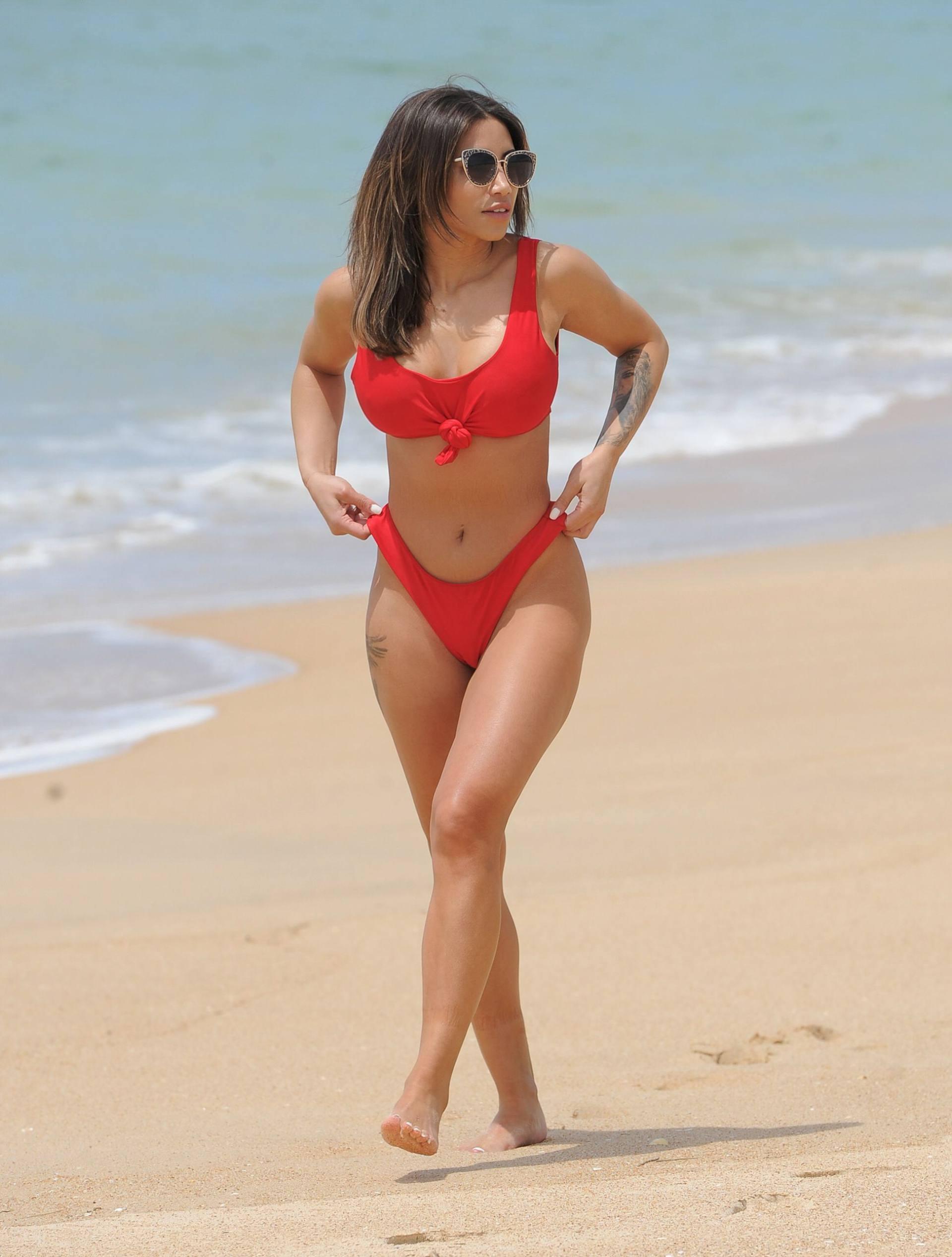 Kayleigh Morris Big Ass In Sexy Bikini