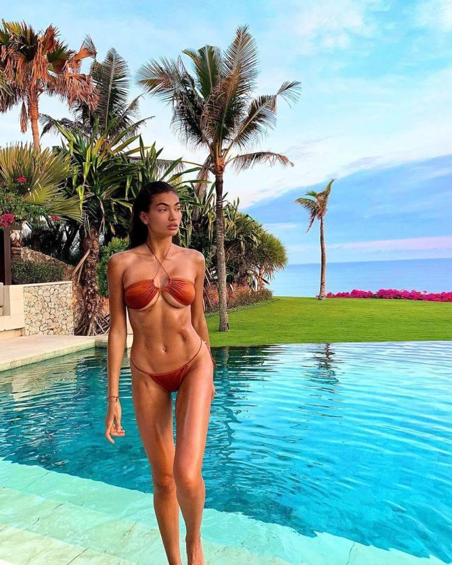 Kelly Gale Hot Body In Tiny Bikini