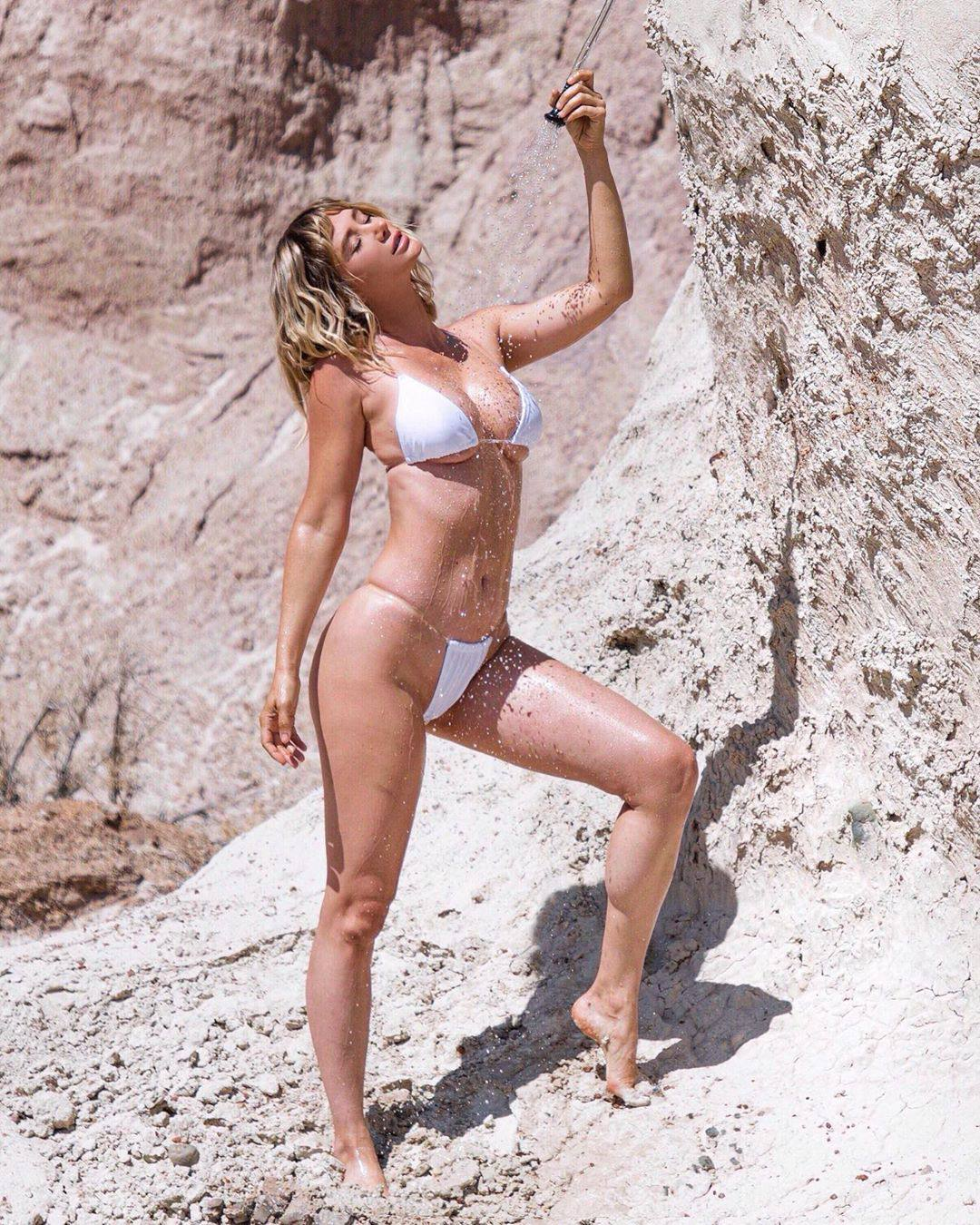 Sara Jean Underwood Sexy Boody In Small White Bikini