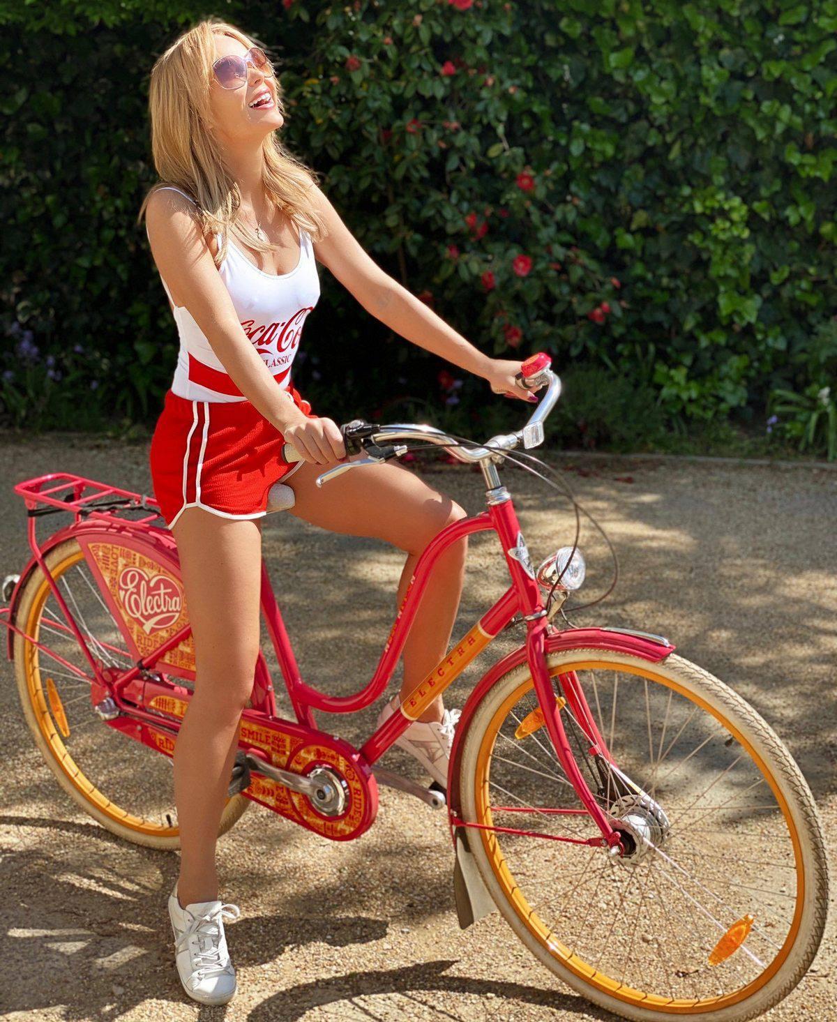 Amanda Holden Sexy Legs On Bike
