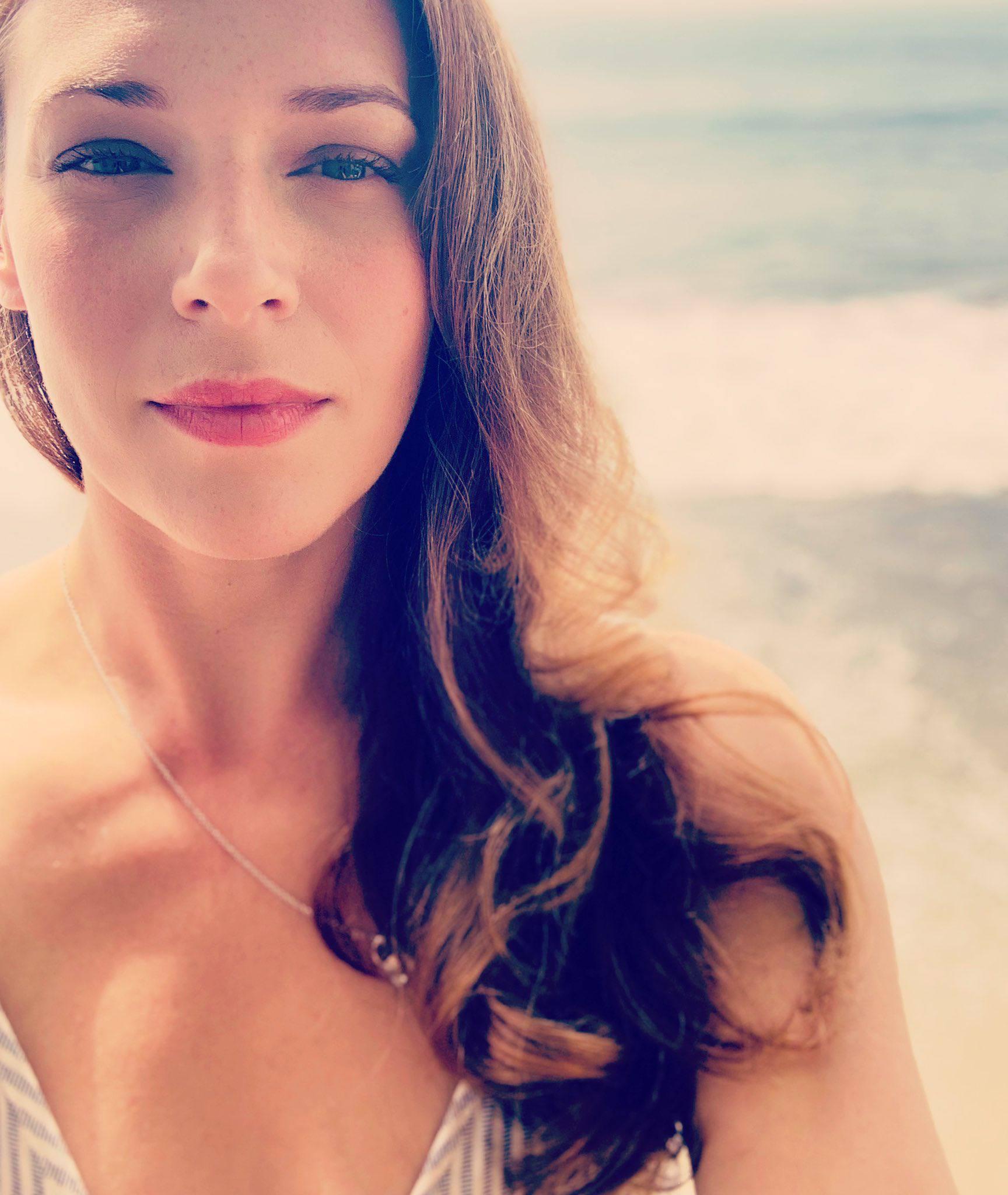 Amanda Righetti Natural Beauty