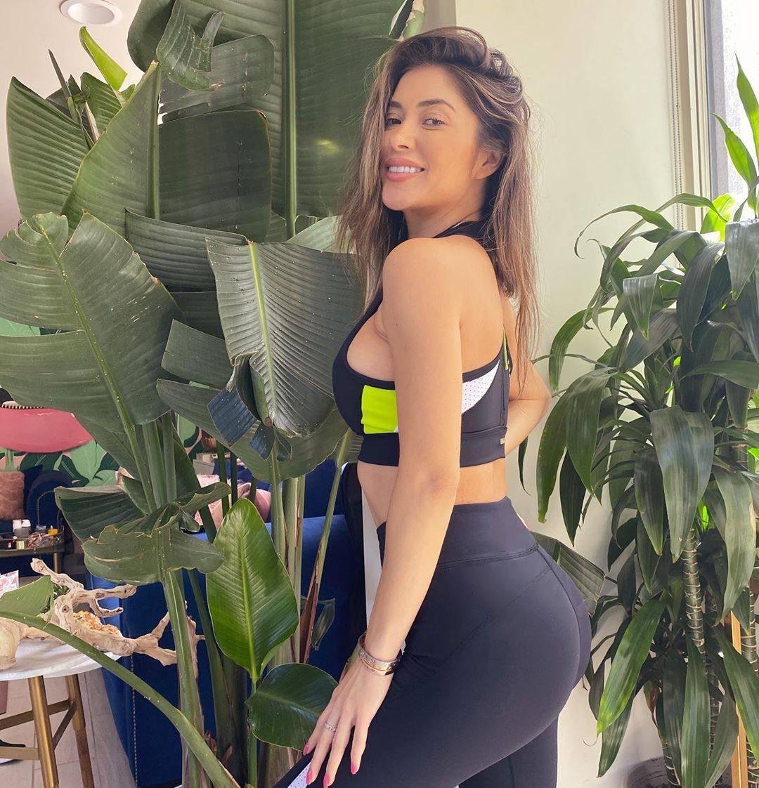 Arianny Celeste Hot In Leggings