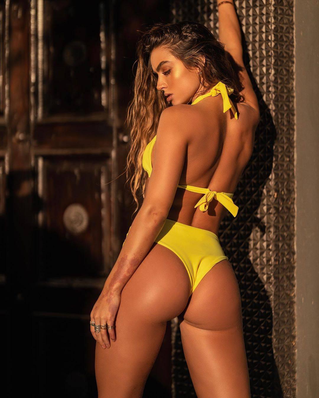 Sommer Ray Sexy Bikini Body