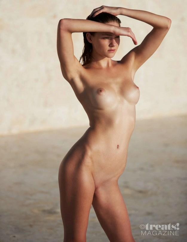 Viki Levina Sexy Full Frontal Nude Pics