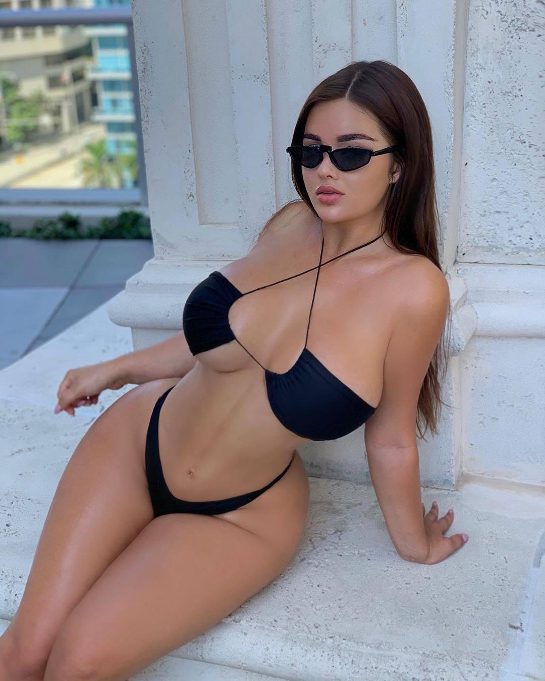 Anastasia Kvitko Hot Curves