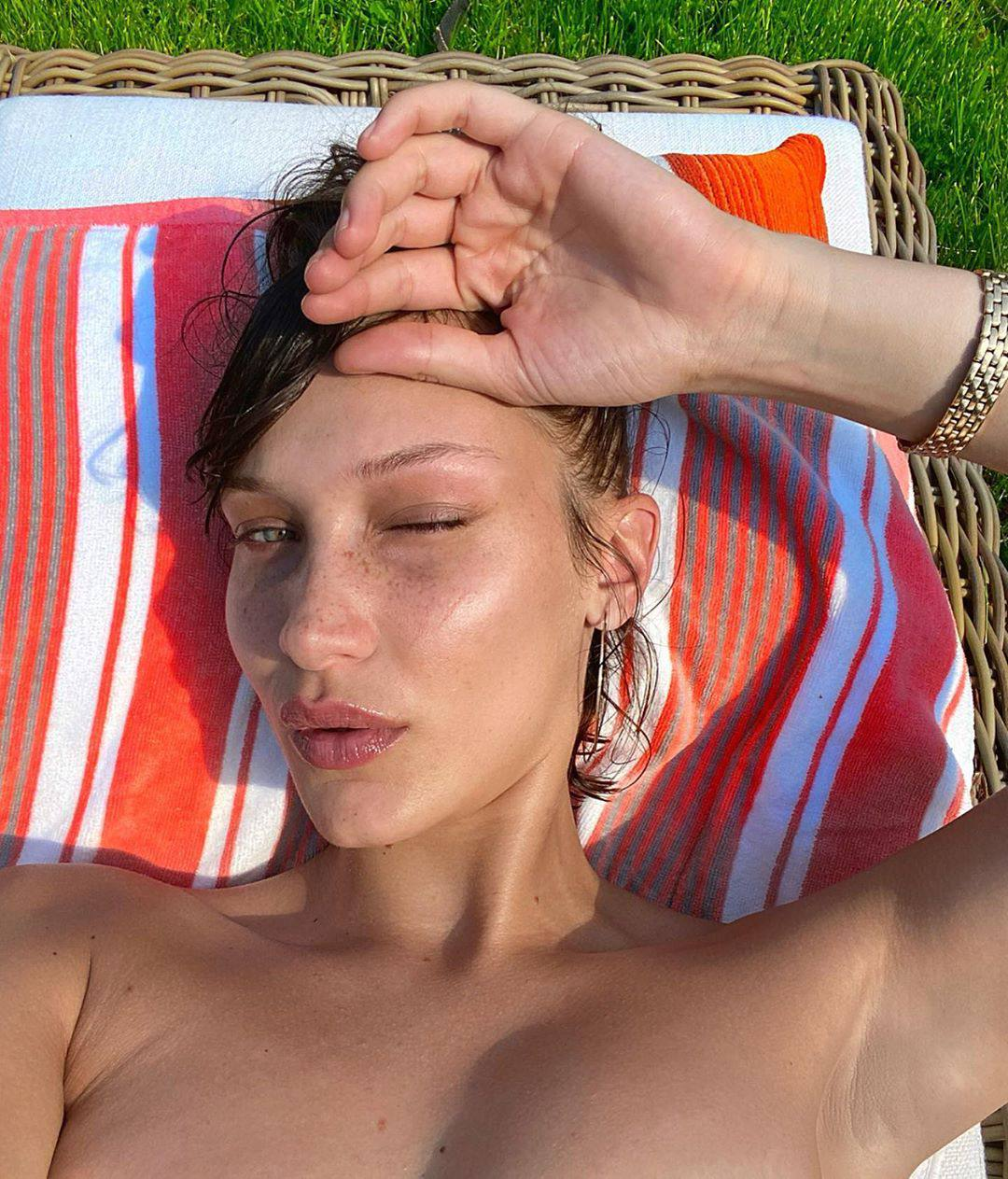Bella Hadid Hot Topless Selfie