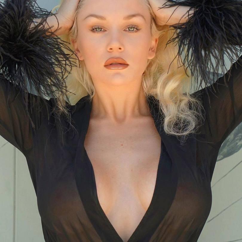 Courtney Stodden Braless In Sheer Top