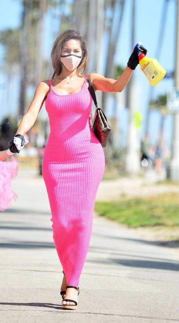 Farrah Abraham - Sexy Curvy Body in a Pink Dress Out in