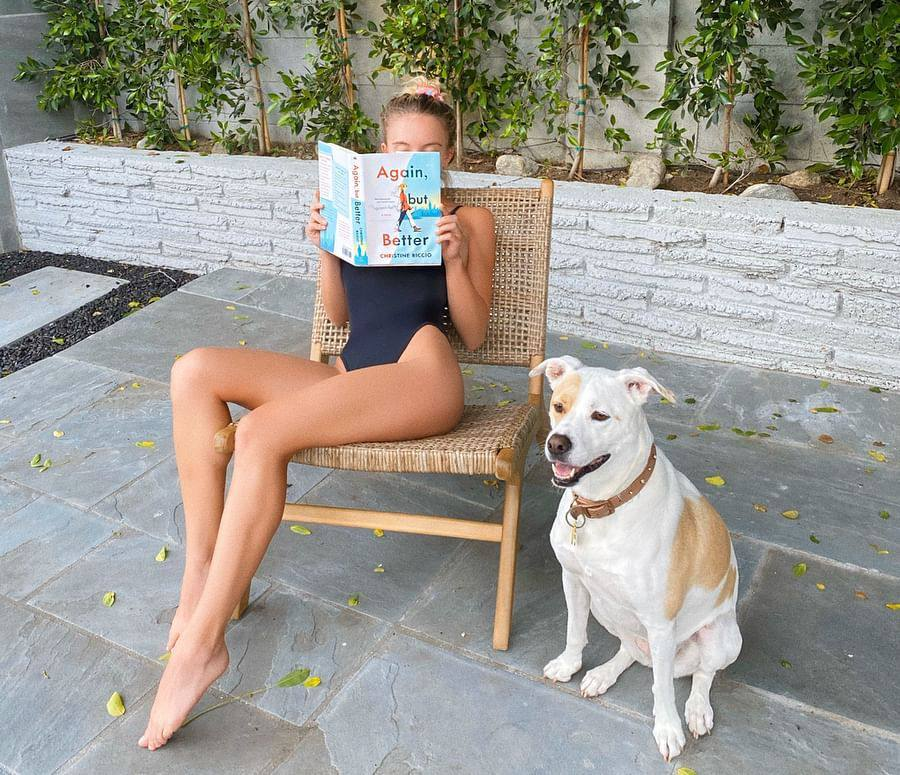 Sydney Sweeney Sexy Legs