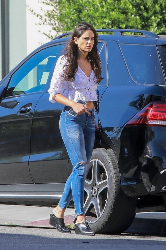 Eiza Gonzalez Beautiful In Jeans