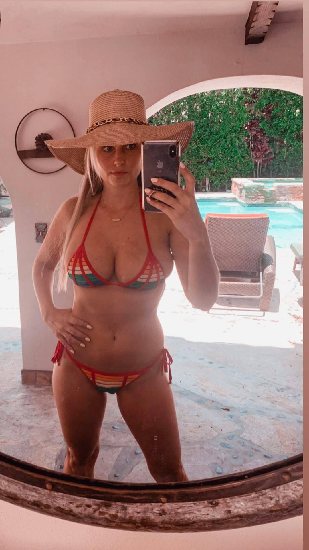 Genevieve Morton Sexy Big Boobs In Bikini