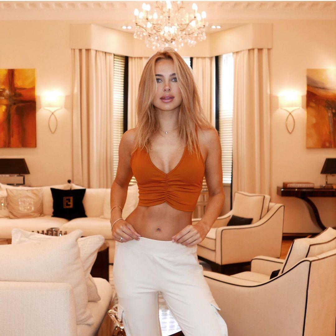 Kimberley Garner Hot Toned Body