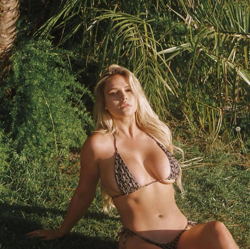 Kinsey Wolanski Hot Boobs